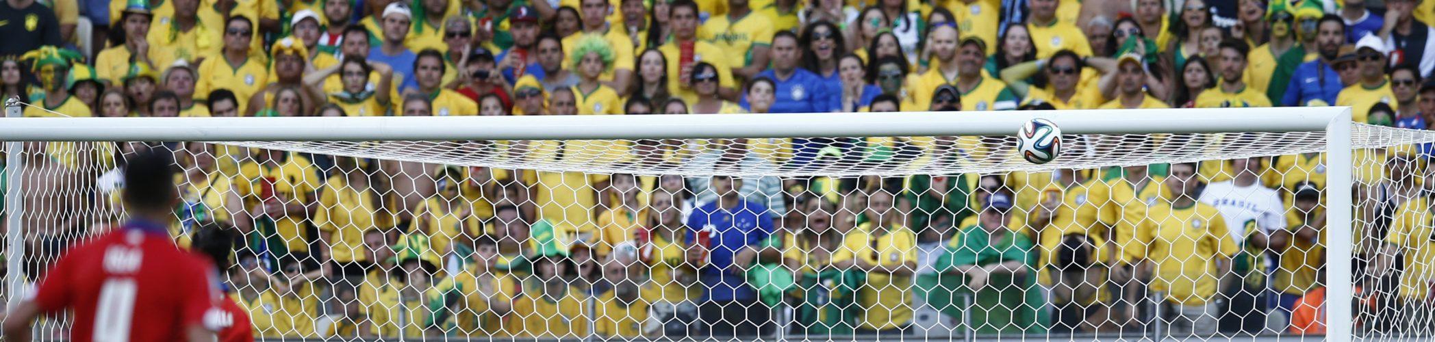 Bollen går i mål under VM 2014