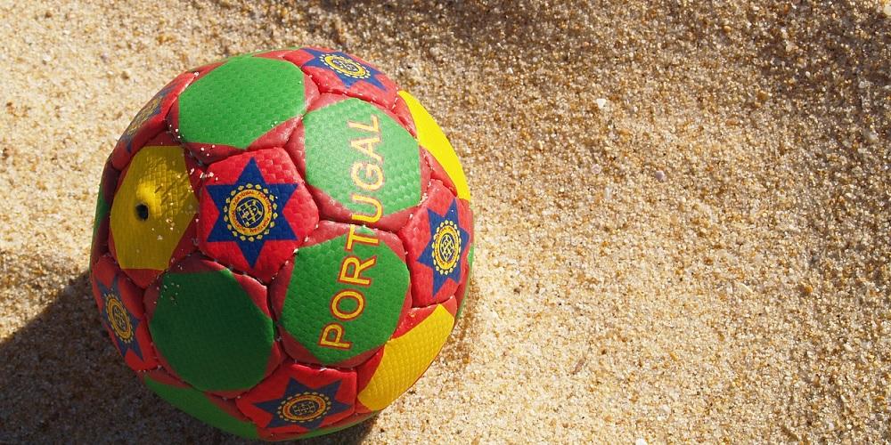 Strandfotboll