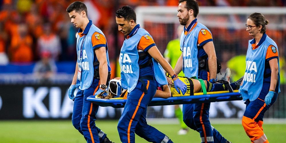 Kosovare Asllani skadad i semifinal mot Nederländerna
